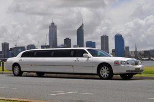 White 10 seat Lincoln limousine