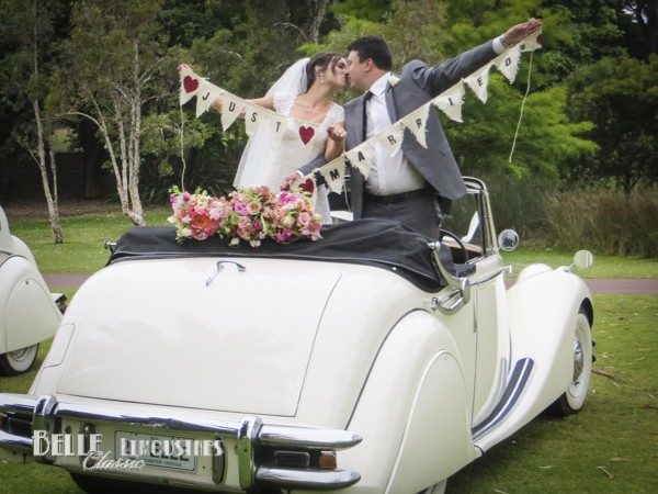 Wedding car decorations belle classic wedding cars wedding limousine decoration inquiries junglespirit Image collections