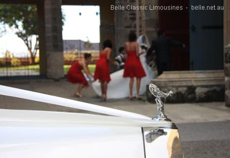 Ivory ribbon is a classic wedding car decoration
