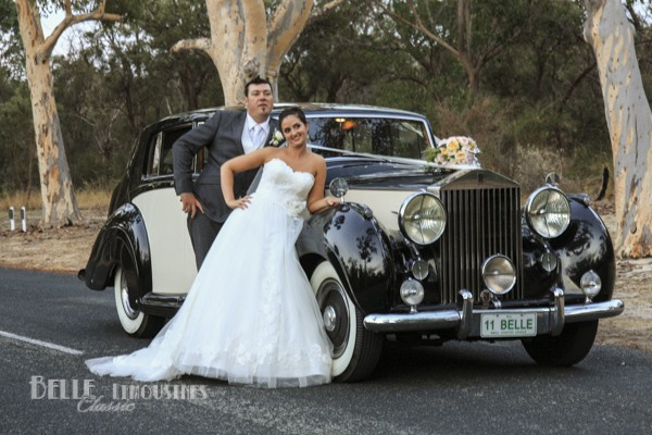 vintage wedding limo