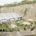 quarry-amphitheatre-wedding-cars-2